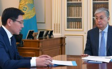 Kassym-Jomart Tokayev receives Minister of Digital Development, Innovation and Aerospace Industry Askar Zhumagaliyev